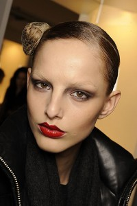 yslfall 200x300 Autumn/Winter 09/10 Trend: Sharp Lips