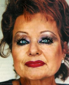 tammy faye bakker closeup 2005 750 750 242x300 Understated Beauty Tool