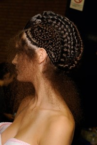 00190m 200x300 Alexander McQueen at Paris Fashion Week