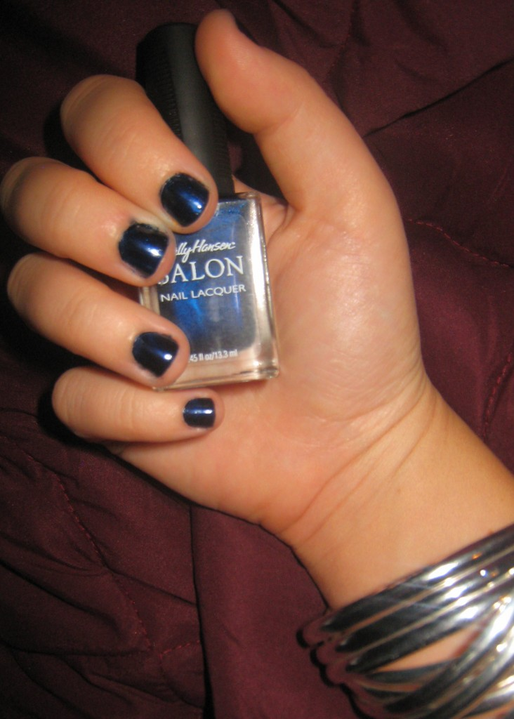 IMG 3600 732x1024 Autumn/Winter Trend: Navy Nails!
