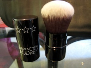 sigma kabuki 300x224 Review: Sigma Makeup Brushes