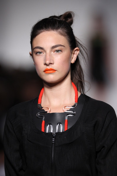 Orange bright lips at ohne titel ss 2019