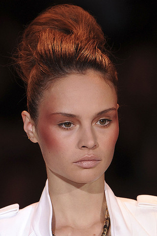 CHRISTIAN SIRIANO SPRINg Spring 2011 Trend: C Shaped Blush