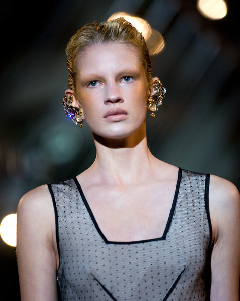 Richard+Nicoll Spring 2011 Trend: C Shaped Blush
