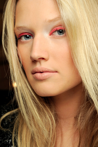 Colorful Liner New Year's Eve Makeup Ideas