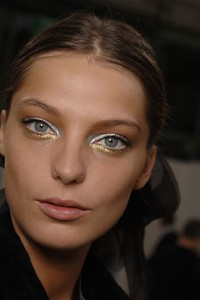 Gold Makeup New Year's Eve Makeup Ideas