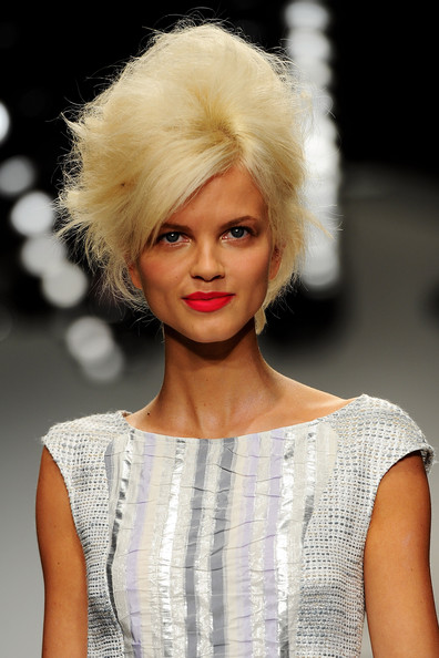 Paul+Costelloe+Runway+LFW Spring/Summer 2011 Trend: Bold Lips
