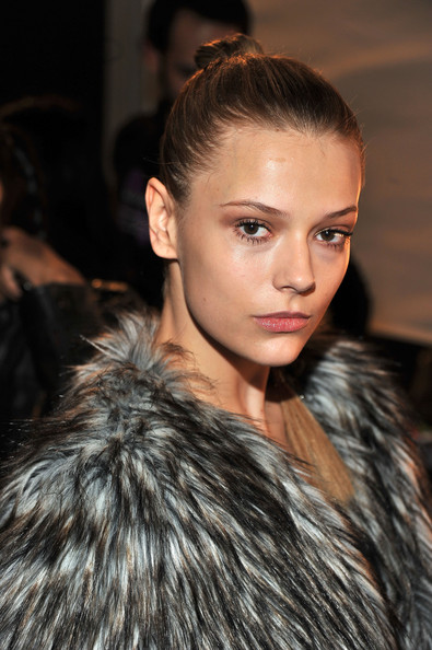 Carlos+Miele+Backstage+Fall+2011+Mercedes+dlgbDuqgNd9l New York Fashion Week A/W 2011  Day 5