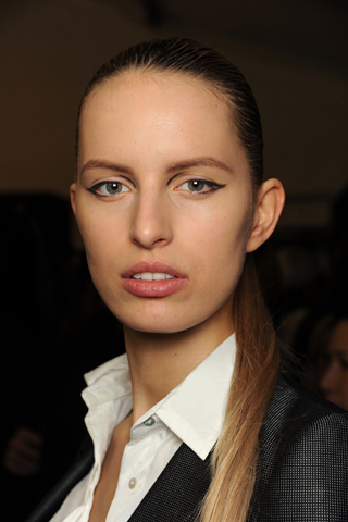 Louis Vuitton Paris Fashion Week A/W 2011 Beauty Roundup