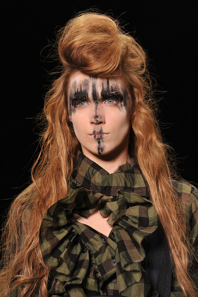 Vivienne+Westwood+ Paris Fashion Week A/W 2011 Beauty Roundup
