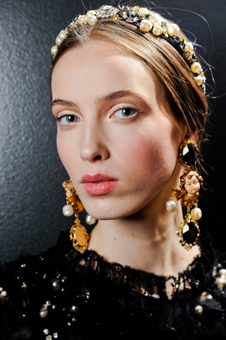00700m Dolce and Gabbana Fall 2012
